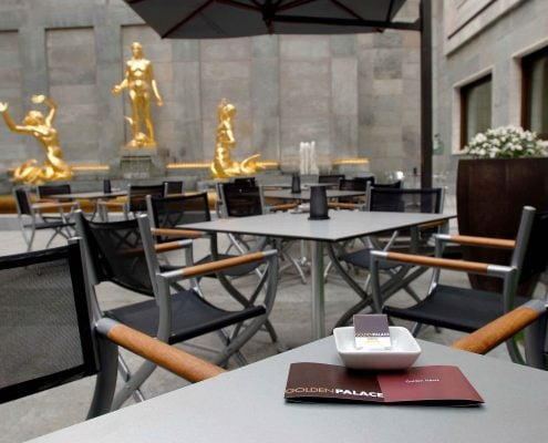 © Giorgio Perottino / LaPresseTorino, 20-06-2006Golden Hour @ Time Bar: aperitivo del martedì al Golden Palace di via dell'Arcivescovado a Torino.